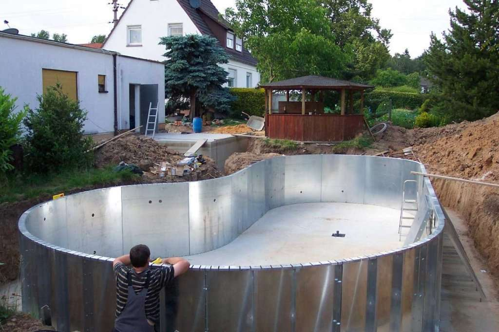 Як побудувати басейн своїми руками